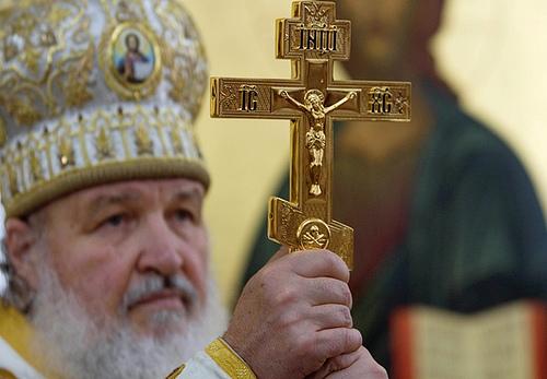 Патриарх Кирилл во время богослужения
