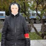 Дружинница на митинге антифашистов